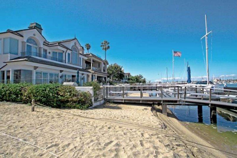 newport-beach-short-sales_720-800x534.jpg